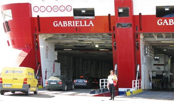 Провоз автомобиля на пароме Gabriella