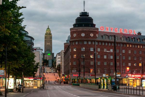 Столица Финляндии в августе.