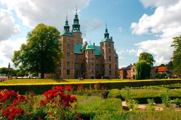 Старинный замок Розенборг.
