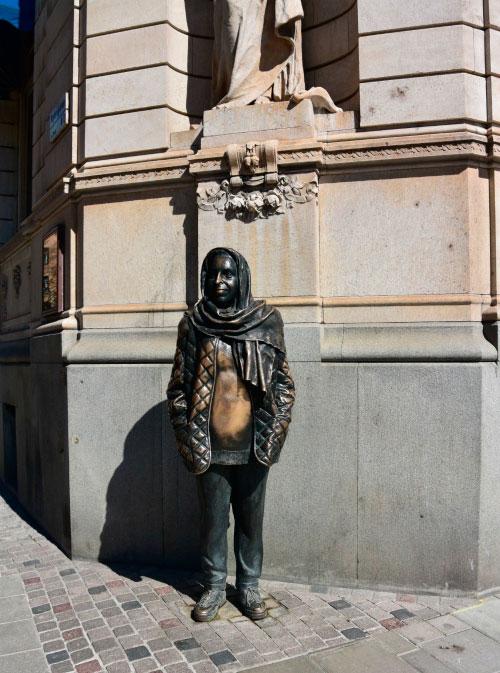 памятник Маргарете Крук.