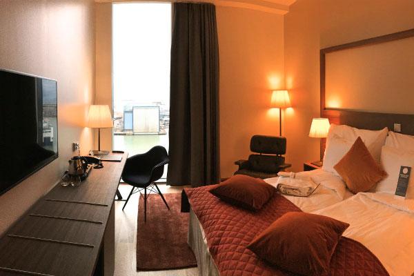Отель Clarion.